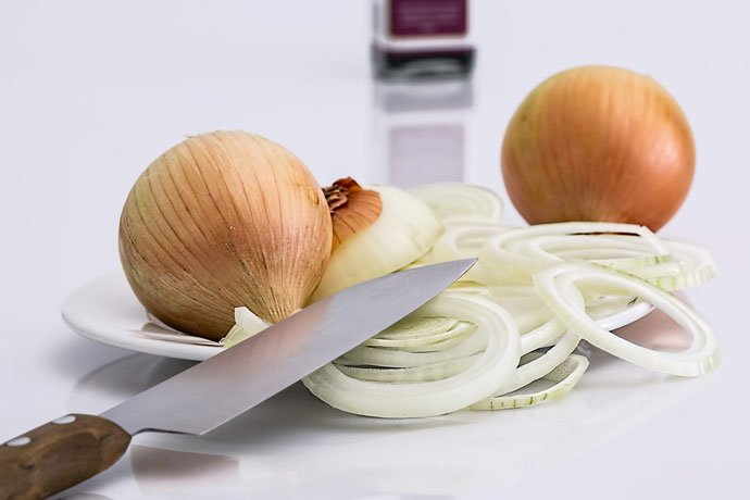 Eliminating Mice Using Some Sliced Onion
